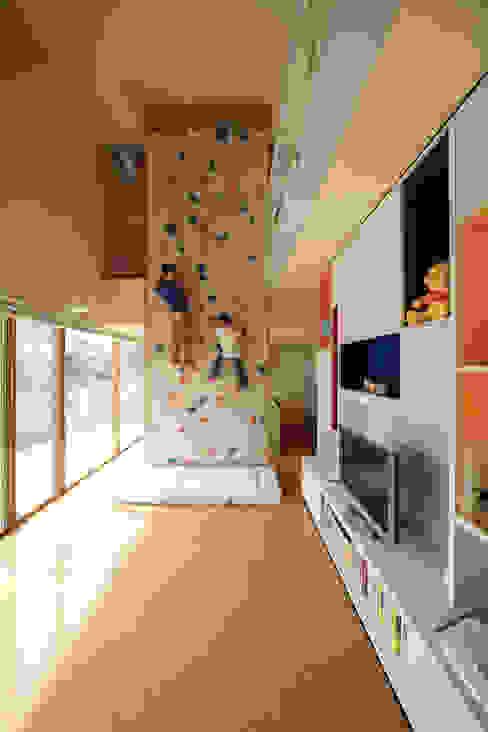 Casas modernas de 有限会社松橋常世建築設計室 Moderno