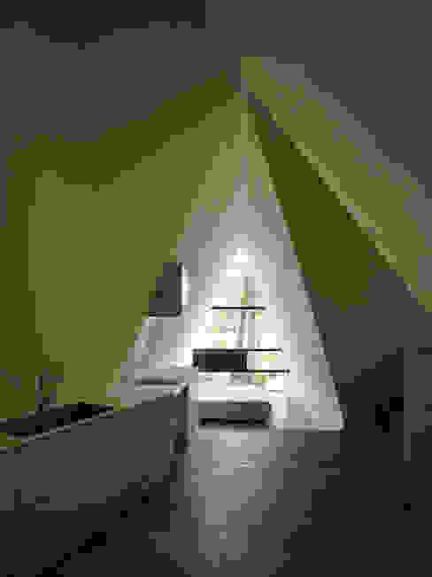 Forest House Modern kitchen by カスヤアーキテクツオフィス(KAO) Modern