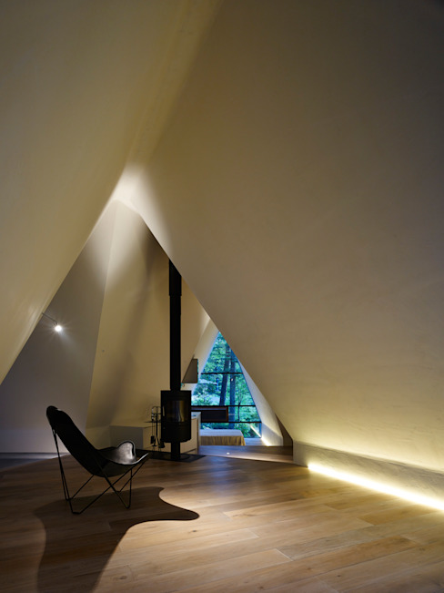 Forest House Modern Corridor, Hallway and Staircase by カスヤアーキテクツオフィス(KAO) Modern