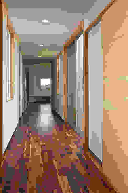 天体望遠鏡のある家 tai_tai STUDIO モダンスタイルの 玄関&廊下&階段