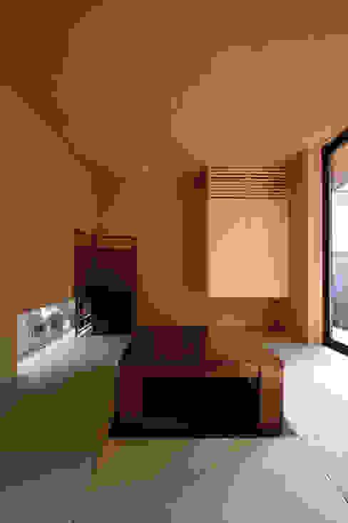 若林M邸 遠藤誠建築設計事務所(MAKOTO ENDO ARCHITECTS) モダンデザインの 多目的室