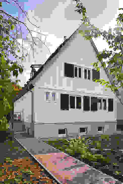 Projekty,  Domy zaprojektowane przez Turck Architekten, Eklektyczny