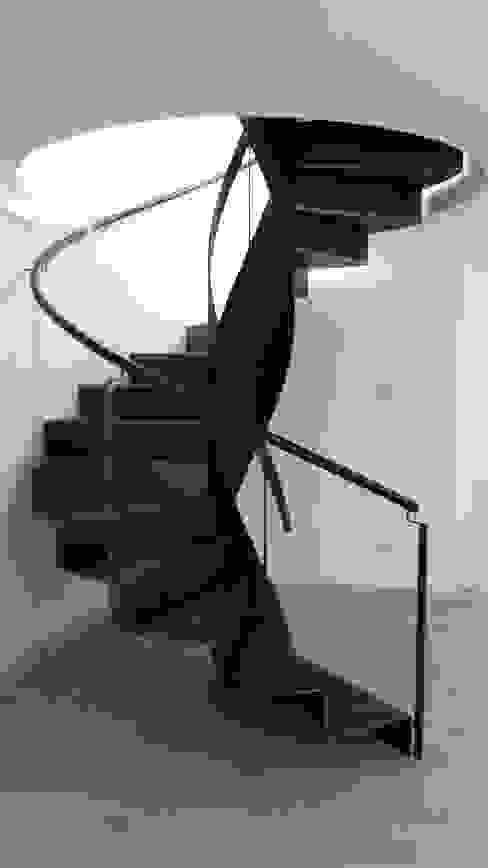fferrarinirsm di ferrarini fabio Corridor, hallway & stairsStairs