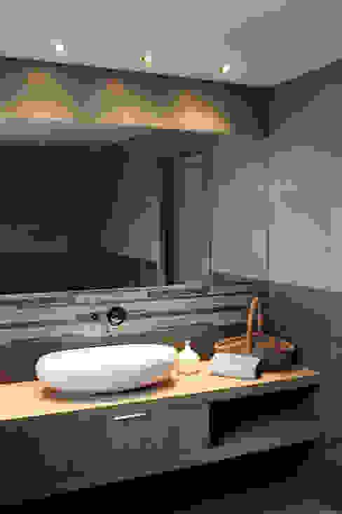 Banheiros modernos por Studio 06 Moderno