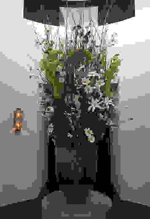 welkom met zijden bloemen choc studio interieur Landelijke gangen, hallen & trappenhuizen