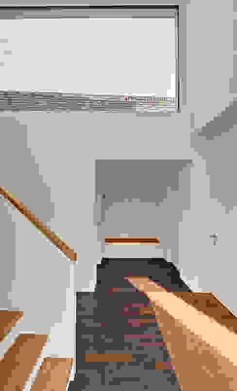 Projekty,  Korytarz, przedpokój zaprojektowane przez Möhring Architekten, Nowoczesny
