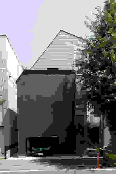 西側外観: 余田正徳/株式会社YODAアーキテクツが手掛けた家です。,