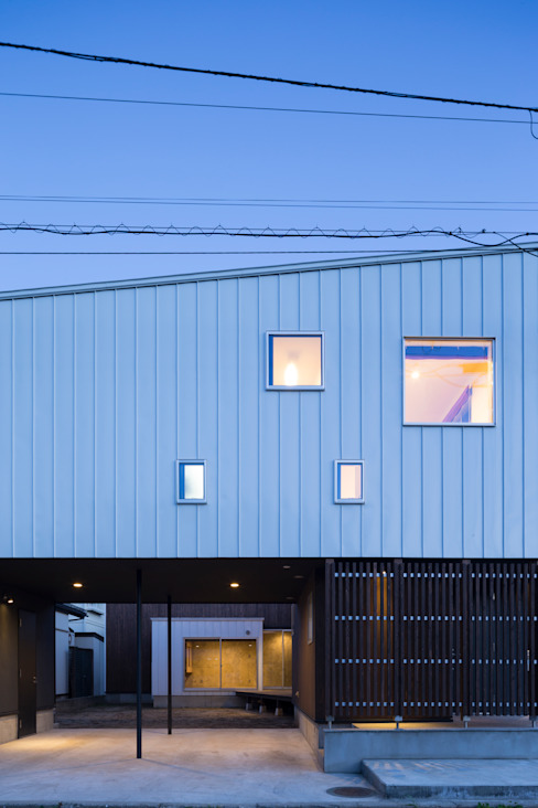 ファサード: 花田設計事務所が手掛けた現代のです。,モダン