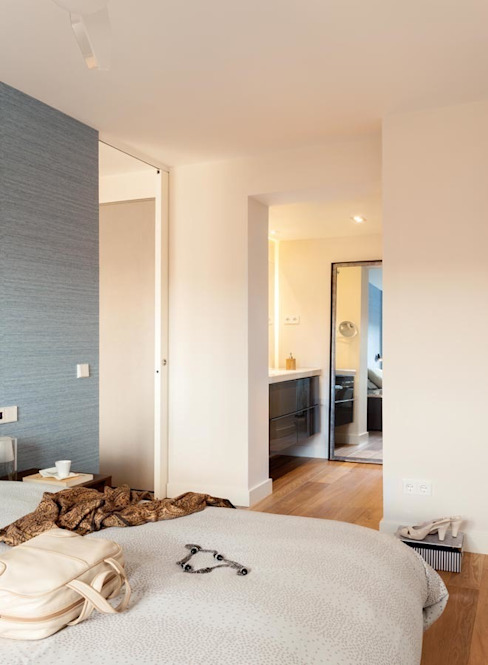 ESTER SANCHEZ LASTRA Modern style bathrooms