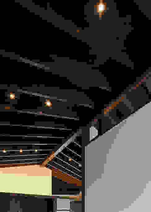 野間の家: 傳寶慶子建築研究所が手掛けたリビングです。,オリジナル