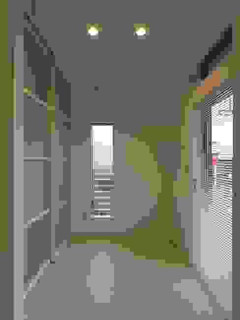 Phòng tắm phong cách chiết trung bởi ai建築アトリエ Chiết trung