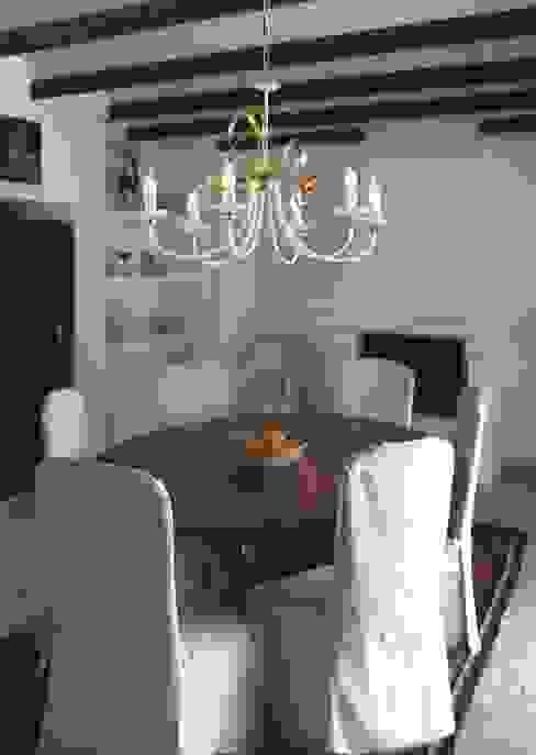 Modern dining room by Highlight Aydınlatma Modern