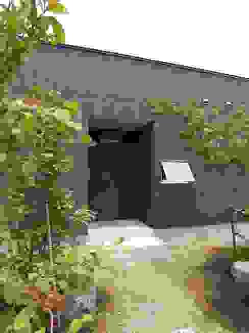 Nhà phong cách chiết trung bởi ai建築アトリエ Chiết trung