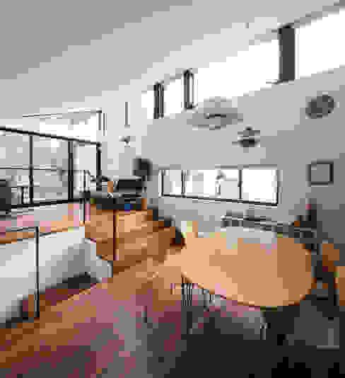 Studio R1 Architects Office의  다이닝 룸, 모던