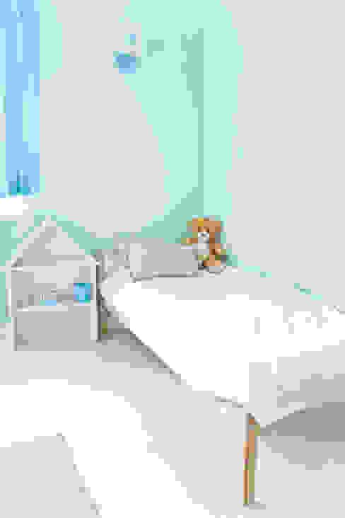 Pokój w błękitach Skandynawski pokój dziecięcy od Miśkiewicz Design For Kids Skandynawski