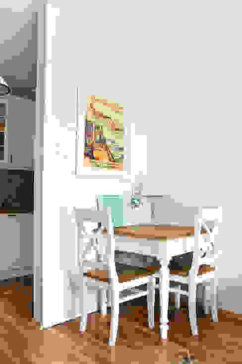 Mediterranean style dining room by Miśkiewicz Design Mediterranean