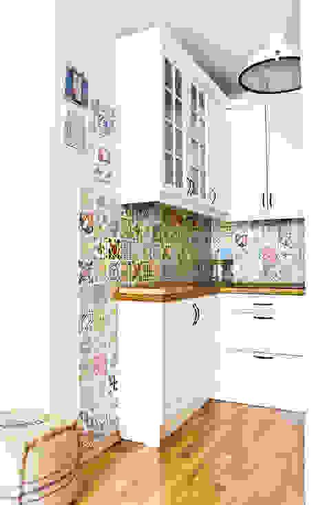 Mieszkanie letnie.: styl , w kategorii Kuchnia zaprojektowany przez Miśkiewicz Design,Śródziemnomorski