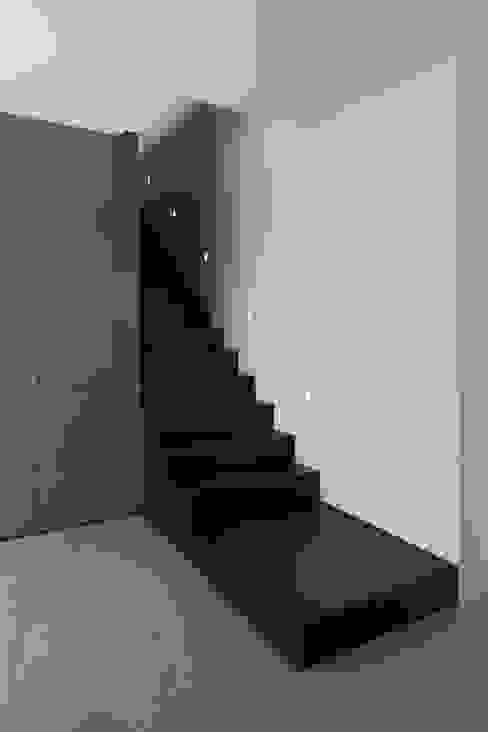Haus_W Moderner Flur, Diele & Treppenhaus von Fachwerk4 | Architekten BDA Modern