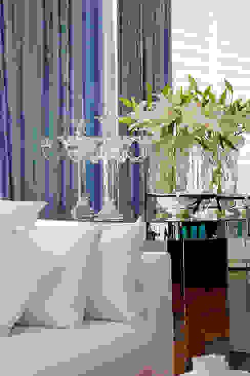 Apartamento Colorido - Depois Salas de estar modernas por Brunete Fraccaroli Arquitetura e Interiores Moderno
