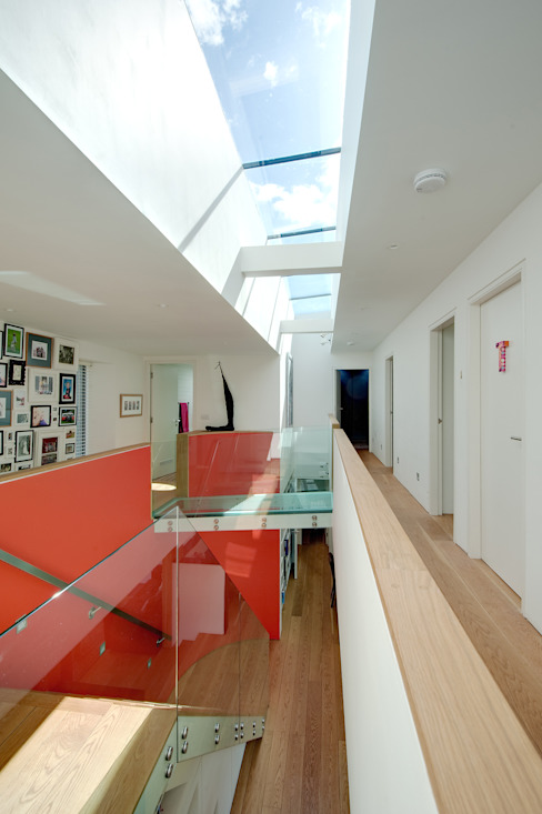 Sunnybank House, Coldingham Modern corridor, hallway & stairs by Chris Humphreys Photography Ltd Modern