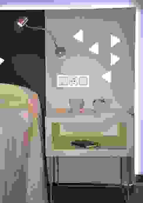 Diseño del stand, los muebles y el interiorismo para Mobenia y Comersan en la feria INTERIHOTEL 2014 de Mireia Cid Moderno