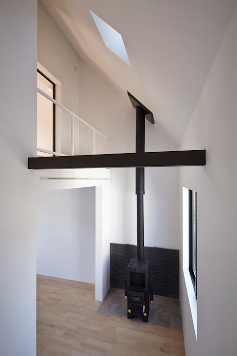 Living room by 松本建築事務所/MA2 ARCHITECTS, Modern