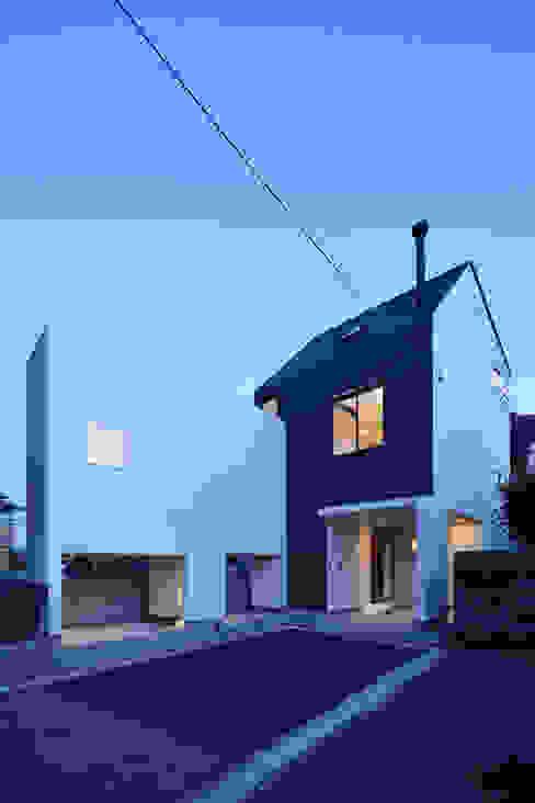 Casas de estilo  de 松本建築事務所/MA2 ARCHITECTS, Moderno