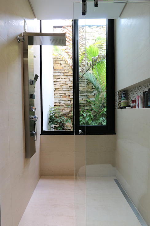Bathroom by ZAAV Arquitetura,