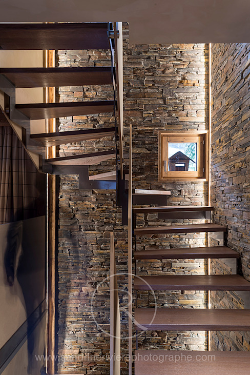 Rustic style corridor, hallway & stairs by Sandrine RIVIERE Photographie Rustic