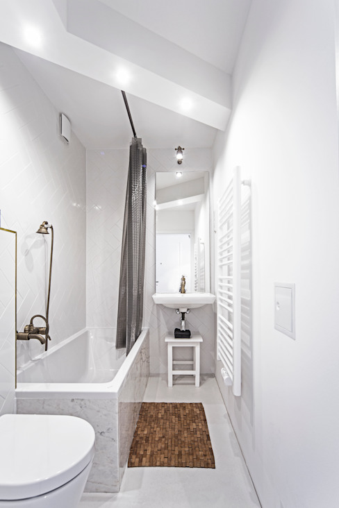 edit home staging Eclectic style bathroom