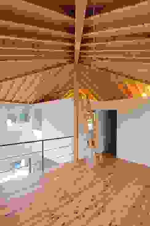 イエニワハナレ 和風デザインの 子供部屋 の amp / アンプ建築設計事務所 和風