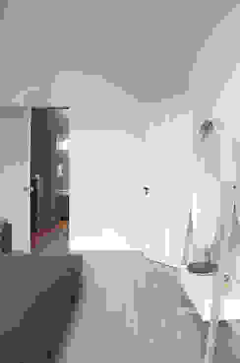 Herenhuis in Den Haag Moderne slaapkamers van Remy Meijers Interieurarchitectuur Modern
