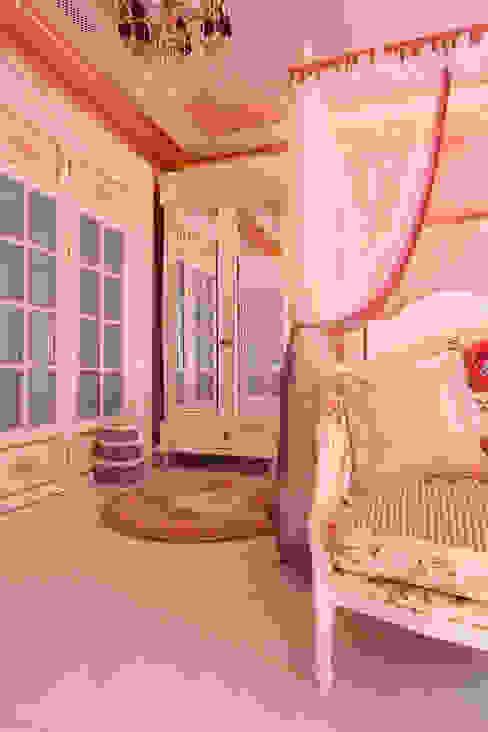 Contemporary Classical Villa in Kemer Golf & Country Klasik Çocuk Odası Orkun İndere Interiors Klasik