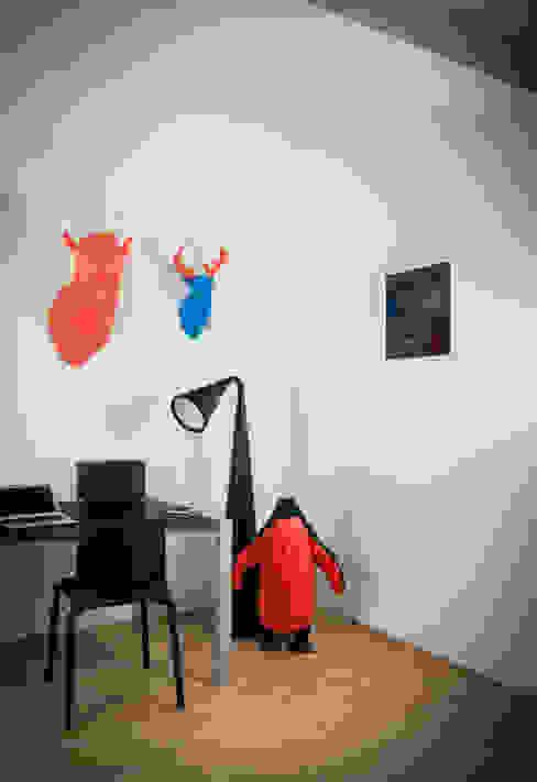 Papertrophy elk & penguin Minimalistische Badezimmer von Papertrophy Minimalistisch