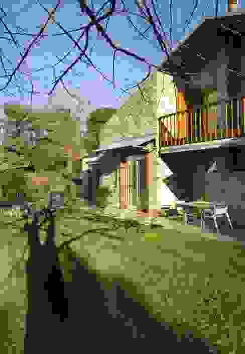 Varese - Ristrutturazione villa privata Case classiche di Studio Franco Segre Classico