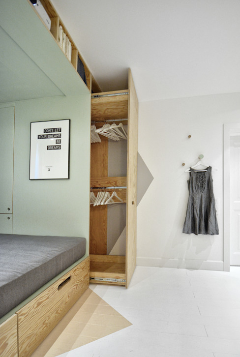 Nursery/kid's room by INT2architecture, Scandinavian
