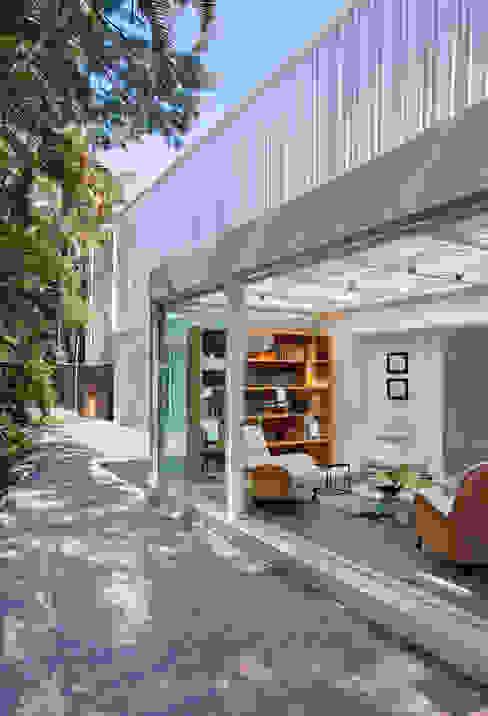 Casas modernas: Ideas, imágenes y decoración de Gisele Taranto Arquitetura Moderno