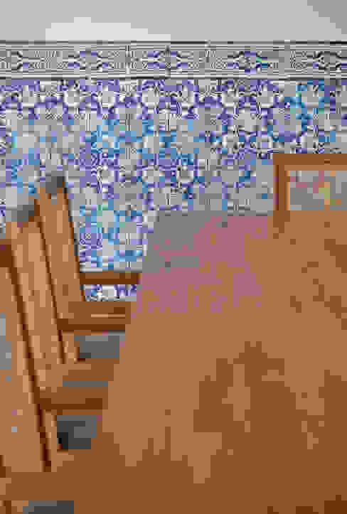 Residência Brise: Salas de jantar  por Gisele Taranto Arquitetura