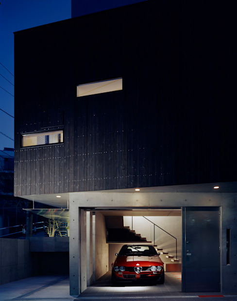 Garage/Rimessa in stile eclettico di 筒井紀博空間工房/KIHAKU tsutsui TOPOS studio Eclettico
