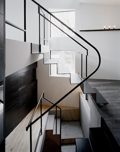 balena オリジナルスタイルの 玄関&廊下&階段 の 筒井紀博空間工房/KIHAKU tsutsui TOPOS studio オリジナル
