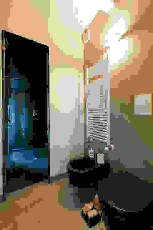 Officina29_ARCHITETTI Casas de banho modernas