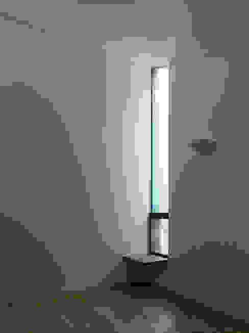 栗原隆建築設計事務所의  벽
