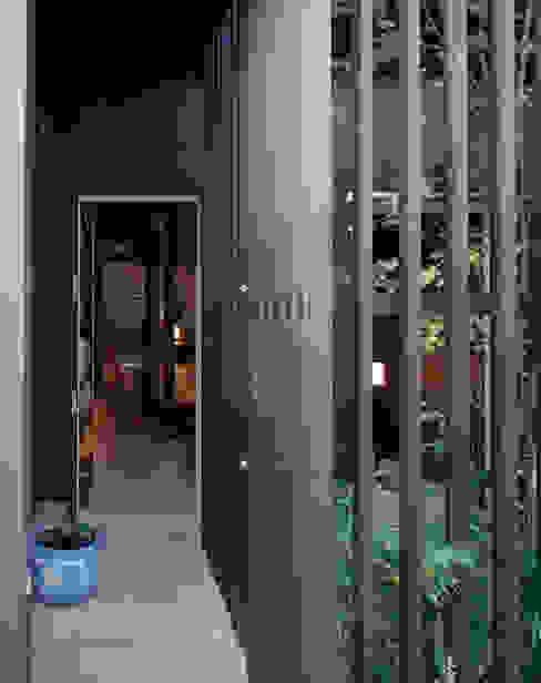 原型からの再生: 向井一規建築設計工房が手掛けた家です。,和風