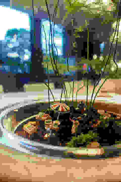 Commissioned Terrarium for Qbic Hotel, London Eklektik Oteller homify Eklektik
