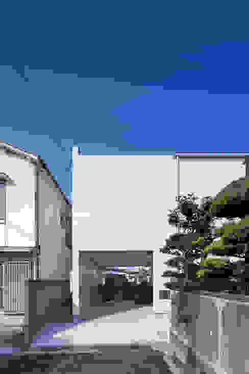 スルウ: 一級建築士事務所 楽工舎が手掛けた家です。,モダン