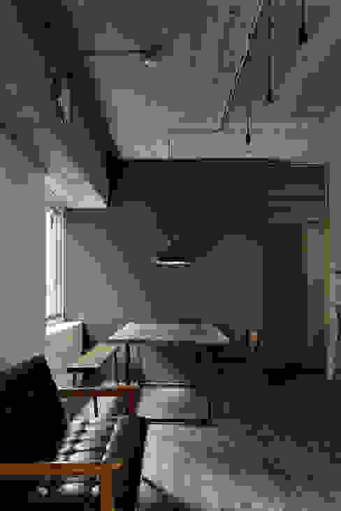 Projekty,  Jadalnia zaprojektowane przez 蘆田暢人建築設計事務所 Ashida Architect & Associates, Rustykalny