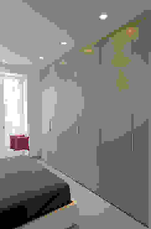 Appartamento 1 Camera da letto moderna di Elisa Rizzi architetto Moderno