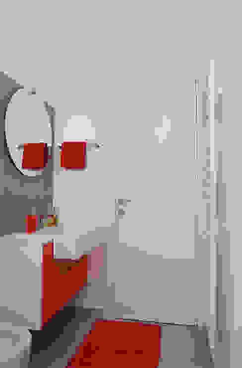 Appartamento 2 Bagno moderno di Elisa Rizzi architetto Moderno