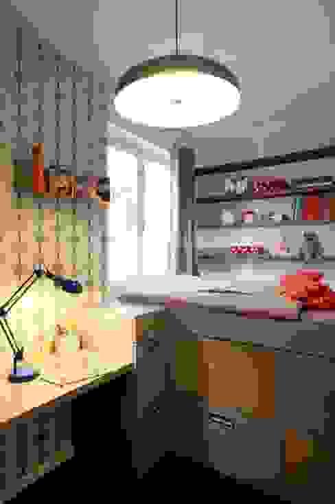 Une chambre d'enfant comme une cabine de bâteau Chambre d'enfant moderne par Agence Sophie Auscher Moderne