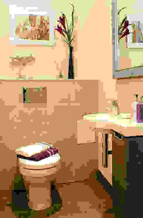 Groundfloor WC Modern bathroom by Lujansphotography Modern